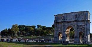 Майски празници в Рим - със самолет и обслужване на български език!