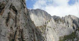 Екскурзия до Пещерата Леденика и Враца