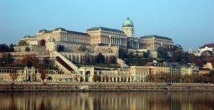 Великден в Будапеща - със самолет, обслужване на български език!