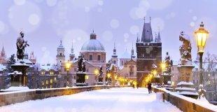 Прага - Коледни базари, със самолет и водач на български език!
