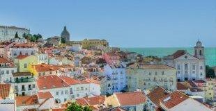 Майски празници в Лисабон - със самолет и водач от България!