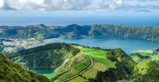 Лисабон и Азорските острови – със самолет и водач от България!