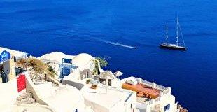 Великден на остров Санторини - потвърдена чартърна програма с полет от Варна!